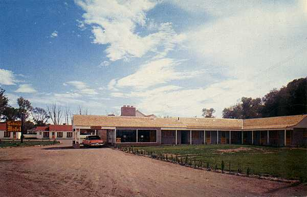Old Motels Roadside Art Online